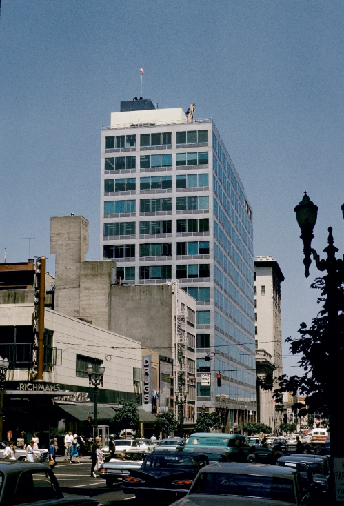 Pietro Belluschi's Equitable Building (Commonwealth Bldg.) at 421 SW 6th Avenue. University of Oregon Photo.